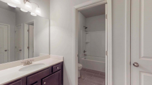 Cottonwood-by-Chafin-Communities-Guest-Bath-on-Main-1