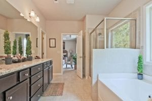 30-Carlson-Model-Mulbbery-Park-by-Chafin-Communiteis-Owners-Bath